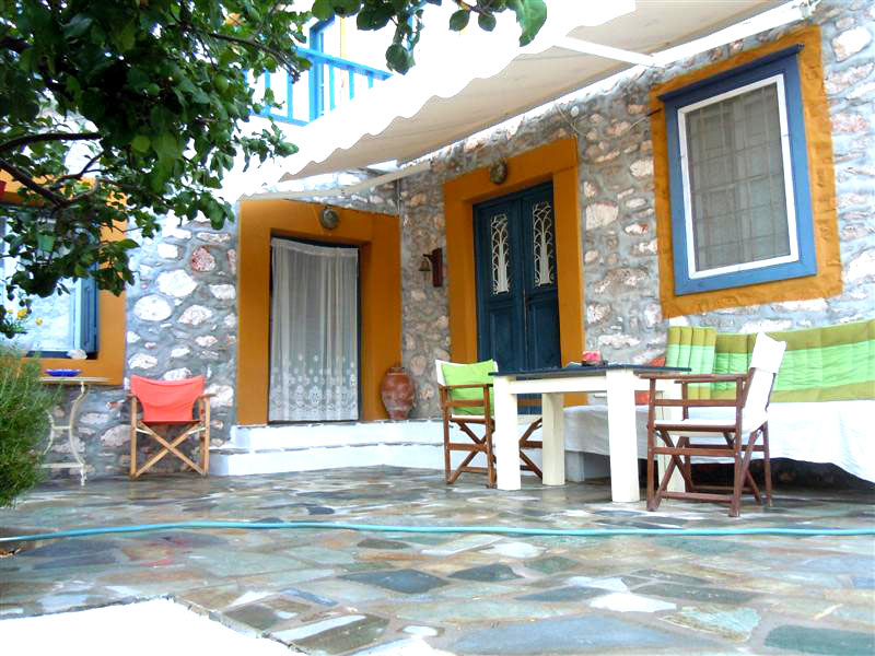 Traditional Greek Houses hydra homes - list of houses, apartments, villas and land for sale