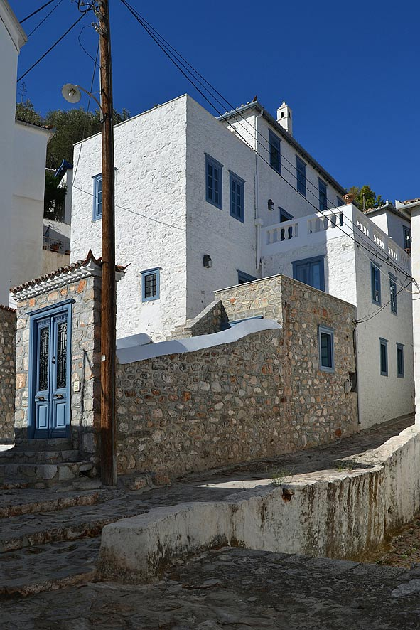 A lovely traditional Hydra island house in an excellent position in Hydra  town, close to