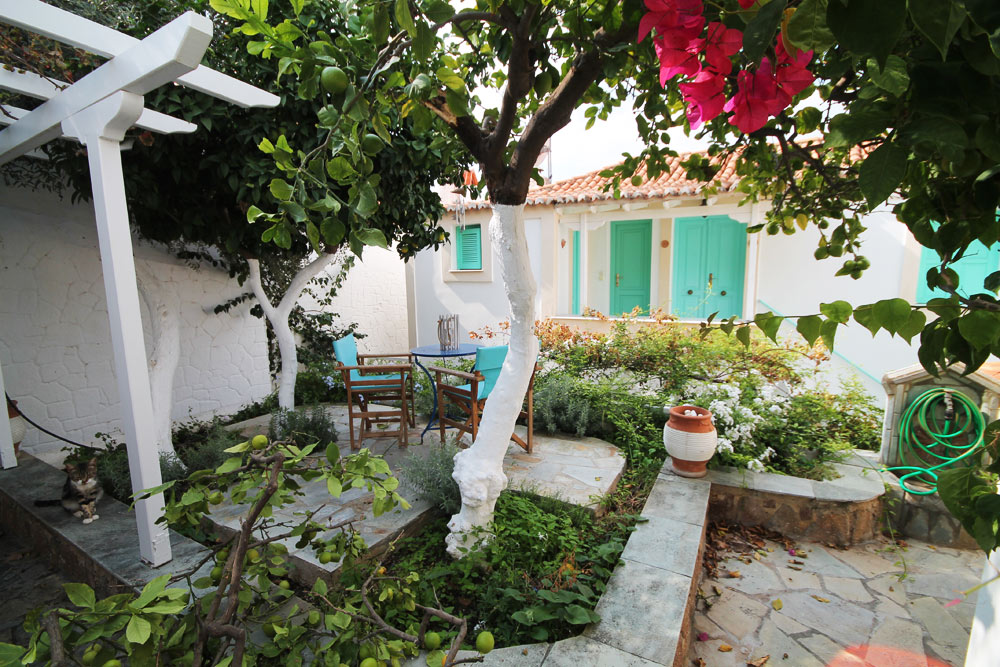 A charming three bed roomed house with private garden and sea views in the old town on the island of Poros.