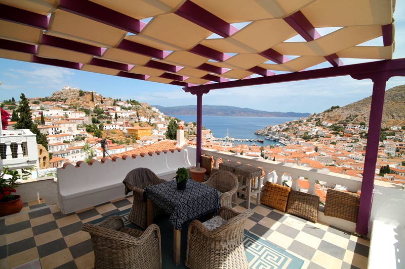 Stunning villa with pool.