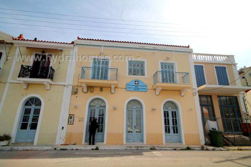 Property for sale in poros hydra greece an impressive for Greece waterfront property for sale