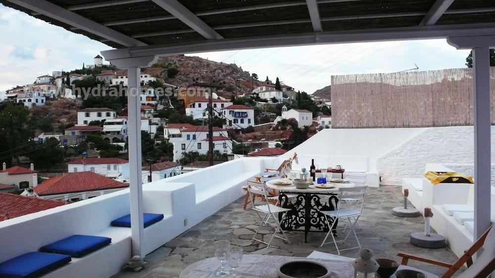Holiday home to rent in kamini hydra island greece a for Terrace house season 3